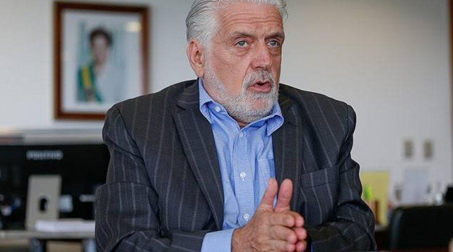 [Wagner diz que trabalha para construir unidade na disputa pela presidência do PT da Bahia]