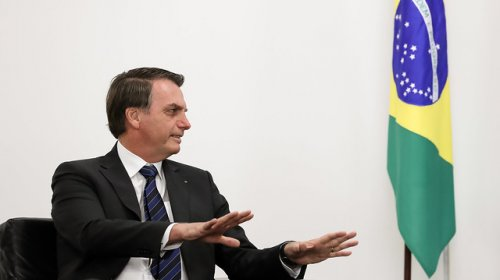 [Bolsonaro quer evangélico que 'recite versículos bíblicos' na Ancine]