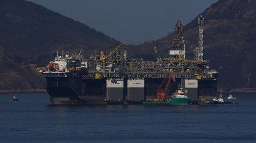 [Petrobras sobe preço da gasolina em 2,5% nas refinarias]