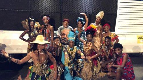 [Concurso da Beleza Negra leva mais de 2 mil moradores ao final de linha de Pernambués ]