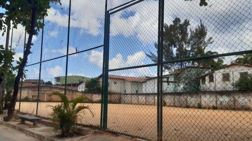 [Moradores de Vila Rui Barbosa reclamam de obra inacabada no Campo do Marisco]