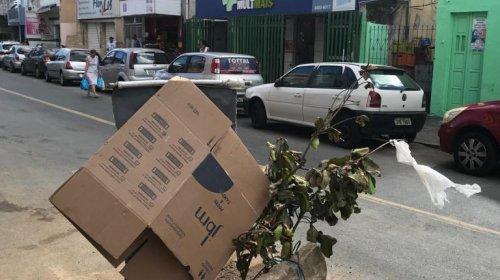 [Morador denuncia buraco em via principal no bairro de Pernambués ]