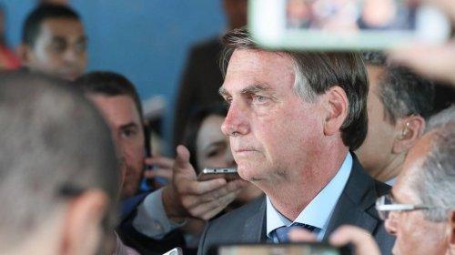 [Bolsonaro confirma saída de Alvim e diz repudiar 'ideologias totalitárias' ]