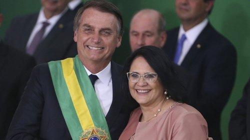 [Bolsonaro defende campanha de abstinência sexual e diz que Brasil vive 'depravação total']