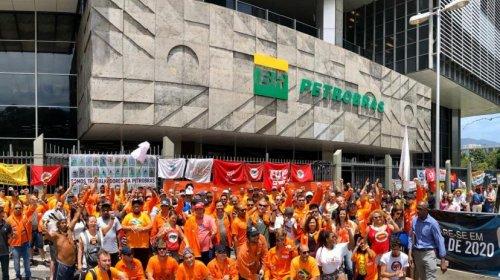 [Petroleiros indicam continuação da greve, após TST considerar movimento ilegal]