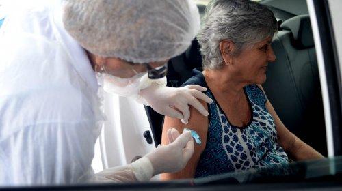 [Vacinação contra gripe ocorrerá em 38 postos e no drive-thru nesta segunda (30)]