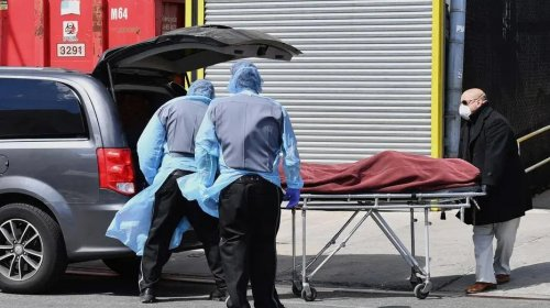 [EUA registram 1.169 mortes em um dia, novo recorde global]