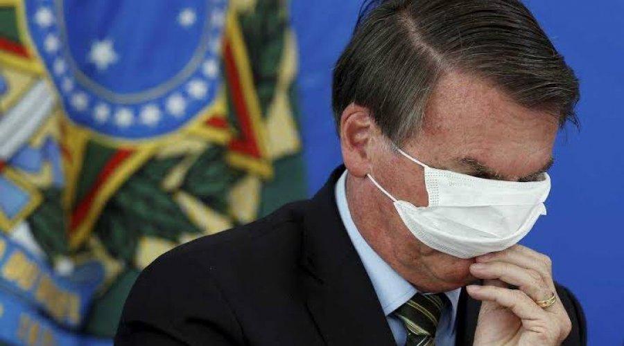 [Presidente Jair Bolsonaro testa positivo para covid-19]
