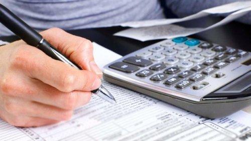 [Governo estuda desonerar todos os salários em até 25% em troca de imposto digital]
