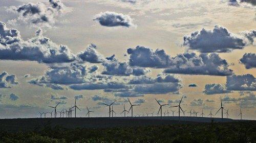 [Novos parques eólicos gerarão mais de 9 mil vagas de trabalho]