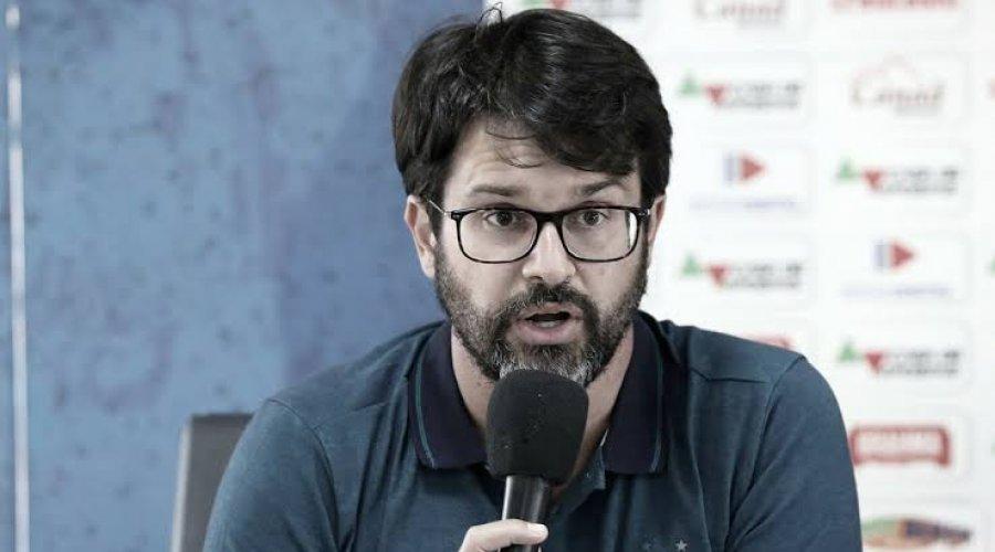 """[""""Há uma deficiência absurda da arbitragem brasileira"""", afirma Bellintani após empate com o Goiás]"""
