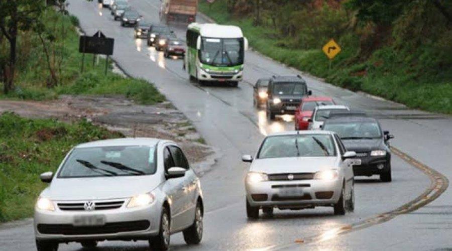 [Regra sobre uso do farol baixo em rodovias é alterado pelo Código de Trânsito Brasileiro]