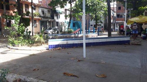 [Morador pede reforma de praça em Vila Ruy Barbosa]