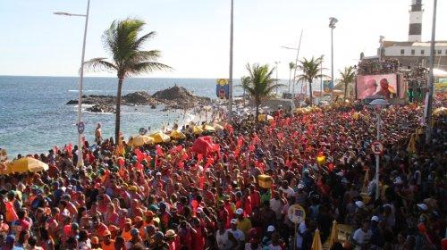 [Ritmo da vacinação poderá fazer com que Carnaval de 2022 também seja cancelado, afirma especia...]