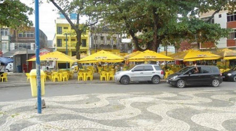 [Com bebida alcoólica liberada no fim de semana, bairro mais boêmio de Salvador passa por desinfecção nesta sexta-feira]