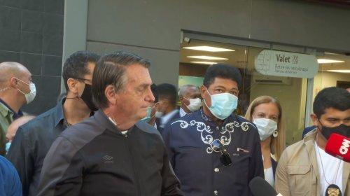 ['Só Deus me tira daquela cadeira', diz Bolsonaro após deixar hospital]