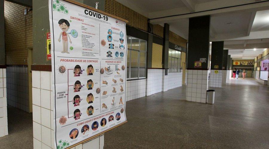 [Governo investe R$ 305 milhões na requalificação das escolas para retomada das aulas presenciais]