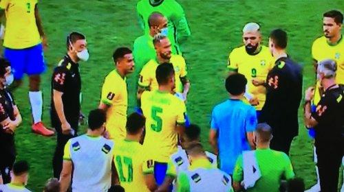 [Anvisa interrompe partida entre Brasil e Argentina por descumprimento de protocolos de saúde]