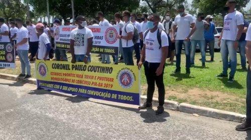 [Aprovados no concurso da PM fazem novo protesto no CAB, em Salvador, e reivindicam convocação]