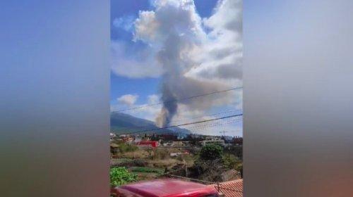[Vulcão Cumbre Vieja entra em erupção nas Ilhas Canárias]