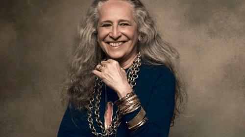 [Maria Bethânia será homenageada no Festival de Música Educadora FM]