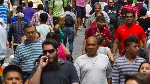 [Brasileiros empobrecidos: PIB per capita deve fechar o ano ainda 7,5% abaixo do pico de 2013]