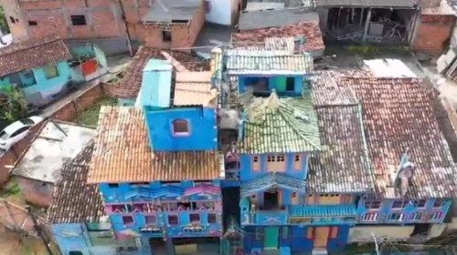 [Castelo construído no bairro de Cajazeiras, em Salvador, chama a atenção de moradores e vira '...]