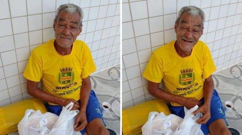 [Vivendo nas ruas de Maceió, idoso de 67 anos quer encontrar irmãos que moram no bairro de Pernambués]