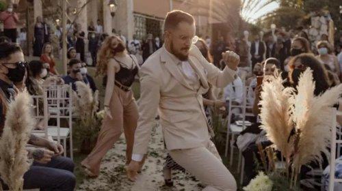 [Noivo brasileiro chama a atenção de Justin Timberlake ao dançar durante entrada de casamento na Grande BH]