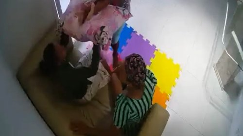 [Vídeo mostra ex-patroa agredindo babá no Imbuí; vítima pulou do 3° andar]
