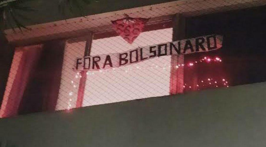 [Bairro de Pernambues registra panelaço contra Jair Bolsonaro; veja vídeos]