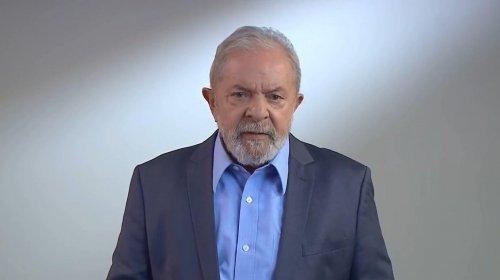 """[Em vídeo Lula faz duras críticas a Bolsonaro e diz que presidente converteu Covid-19 em """"arma de destruição em massa""""]"""